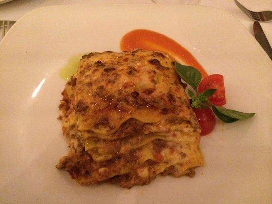 Spasso Italian Bar & Restaurant: Lasagne!!! Excellent!