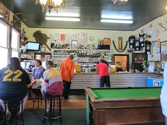 Whangamomona Hotel: Interior of Whanga Pub