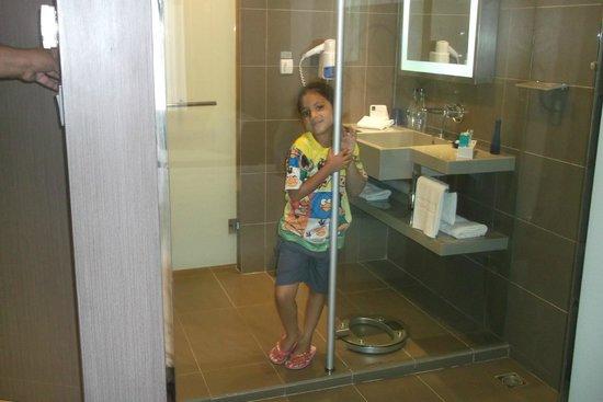 Novotel Bangkok Ploenchit Sukhumvit: Who wants a bath?