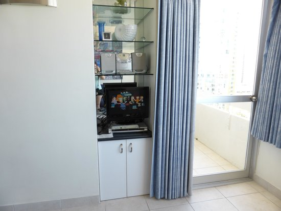 The Shore Holiday Apartments: Smallest TV ever