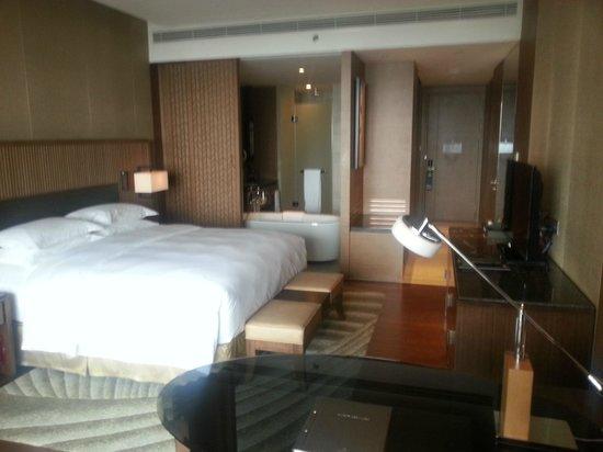 Hilton Wuhan Optics Valley: room