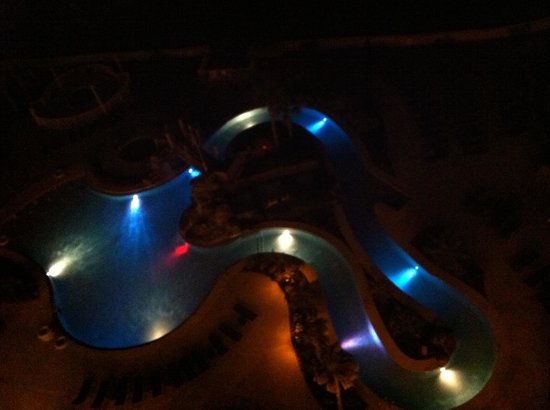 Holiday Inn Resort Pensacola Beach : Balcony view at night