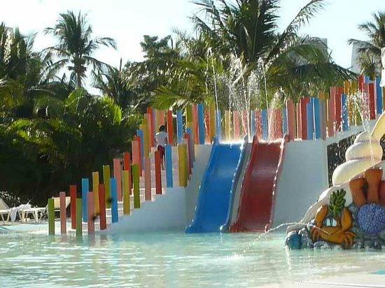 Mayan Palace Acapulco: Excelente el area de niños