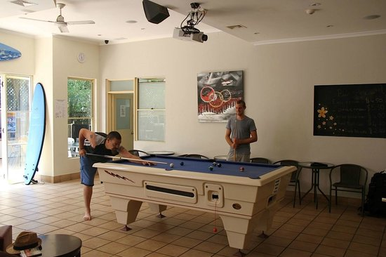 Gold Coast International Backpacker Resort: Free pool table