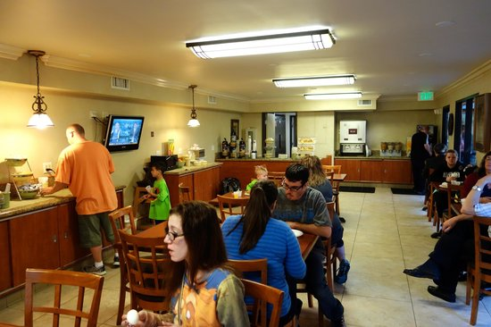 Quality Inn & Suites - Anaheim Resort: Breakfast is included