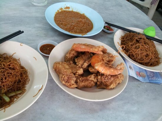 Heliconia Hotel: Fried fish bee hoon at Goh Chew Cafe