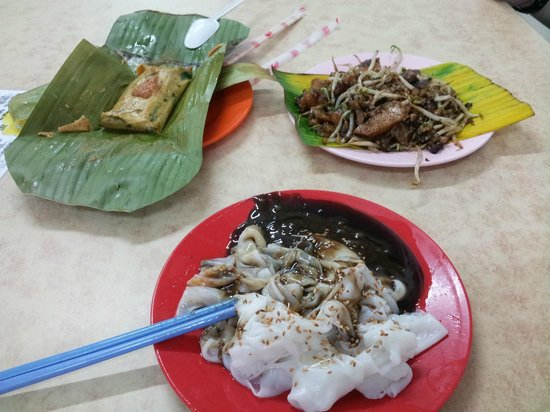 Heliconia Hotel: Otak, chee chong fun and fried carrotcake