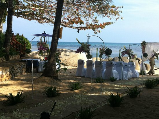Rocky's Boutique Resort : The wedding on the beach