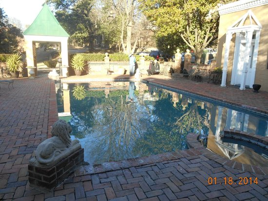 Cedar Grove Mansion Inn & Restaurant: pool