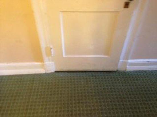 Arlington Resort Hotel & Spa: door to the room