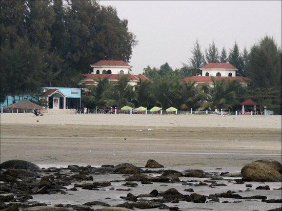 Pebble Stone Sea Resort: resort from the beach