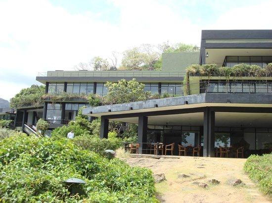 Heritance Kandalama: view of the hotel