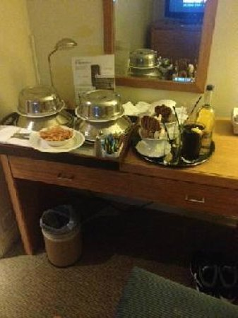 Holiday Inn London-Gatwick Airport: Room service :)