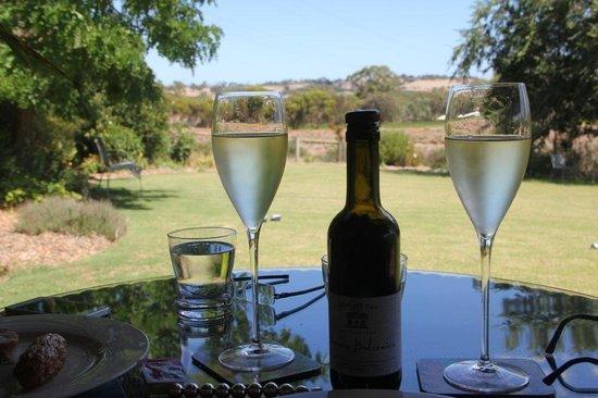 Seppeltsfield Vineyard Cottage: The Wine