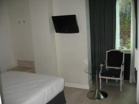 Hotel Santo Domingo Madrid: Bedroom