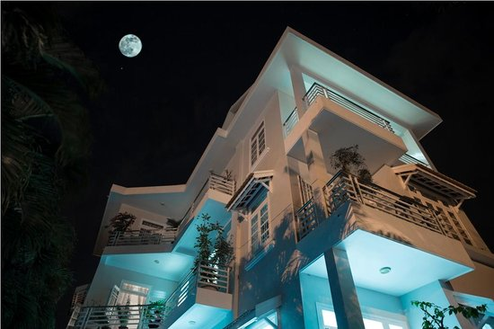 The Moon Homestay - Villa