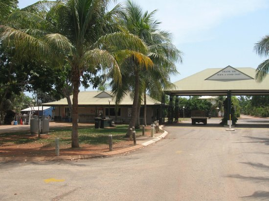 Palm Grove Holiday Resort : Just a splashing distance from the famous Cable Beach