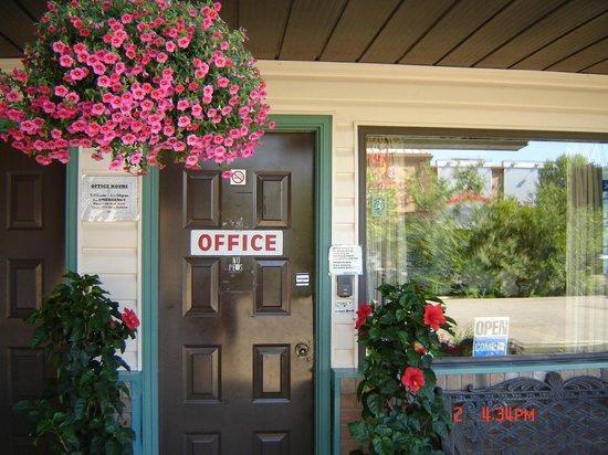 Hoo-Doo Motel : Office