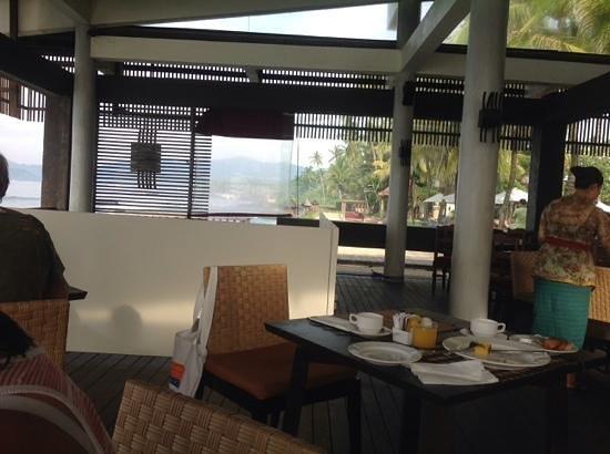 Rama Candidasa Resort & Spa : superb breakfast overlooking the ocean