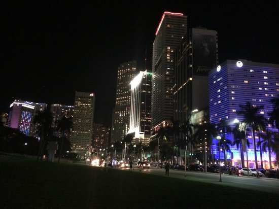 InterContinental Miami: Hotel at night among the towers