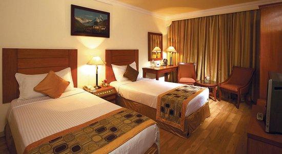 Royal Singi Hotel: Twin Bed Room