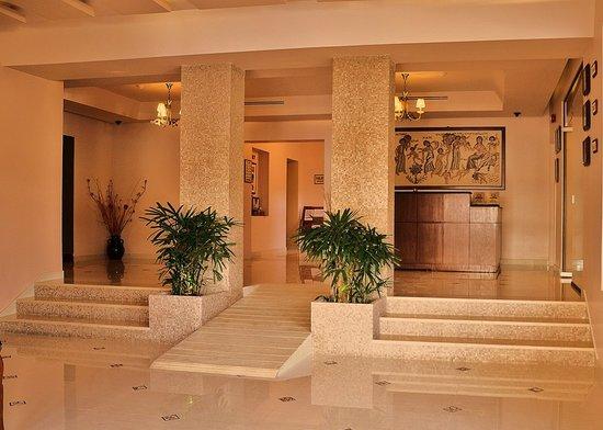 Mosaic City Hotel: Reception