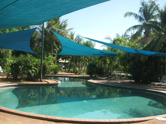 Palm Grove Holiday Resort: swimming pool