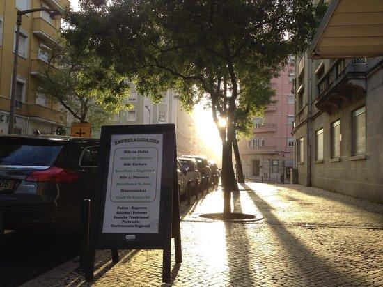 S. Joao Pastelaria Restaurante: morning side