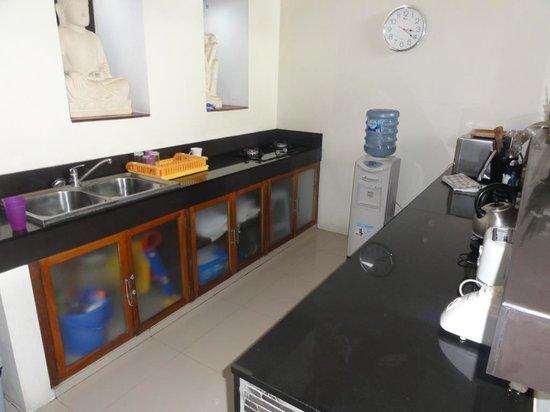 Villa Besar: 4B Villa - Kitchen