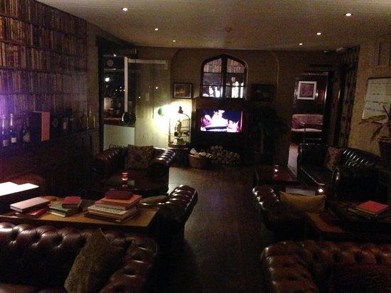 Mount Royale Hotel & Spa: Bar lounge