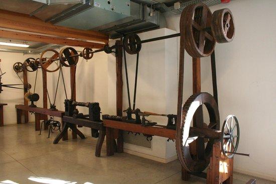 Museo del Falegname Tino Sana: linea semi-industriale ottocento