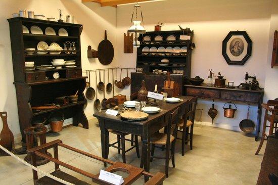 Cucina con andarola foto di museo del falegname tino - Cucina falegname ...