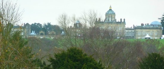 Lime Kiln House B&B: View of Castle Howard from our bedroom