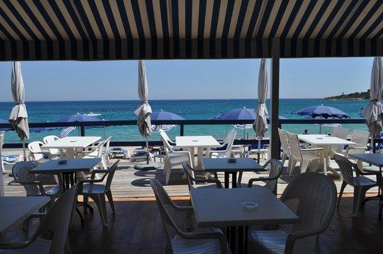 Hotel U Dragulinu: Terrasse petit-déjeuner