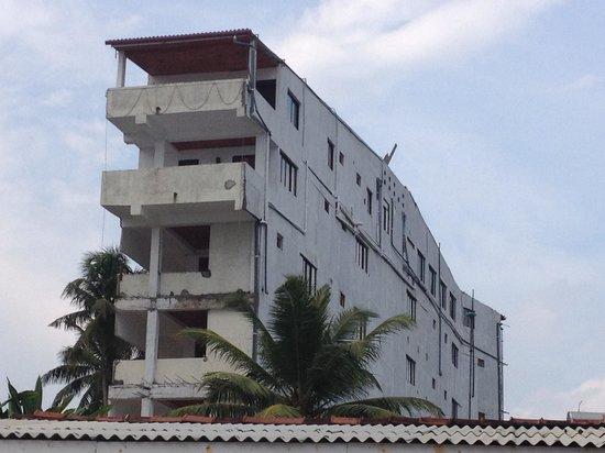 Sunbeam Beach Resort: Back building