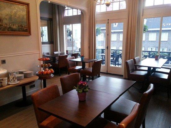 Clemens Hotel: Salón para desayunar