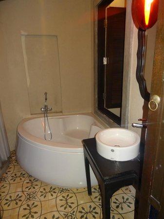 Moracea by Khao Lak Resort : Salle de bain