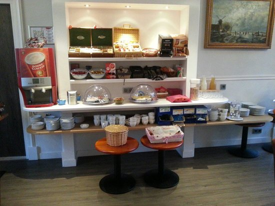 Clemens Hotel: Desayuno