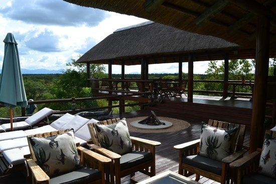 Sausage Tree Safari Camp : Repas du midi et petit déjeuner
