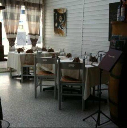 Le Gourman' dine : Salle du restaurant