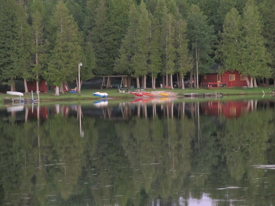 Cedars Resort: View of resort from the lake