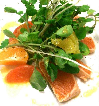 Echo Restaurant : Tataki de Salmón con berros y cítricos