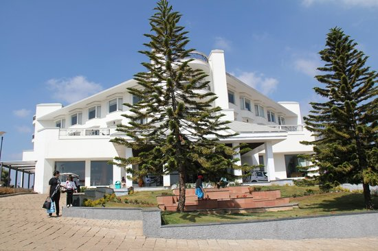 Ooty - Fern Hill, A Sterling Holidays Resort: Front Arena