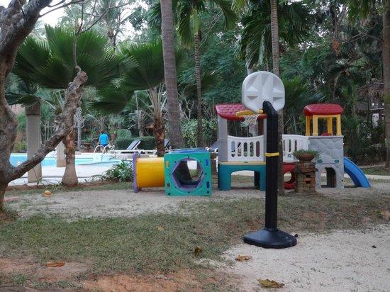 Lanta Sand Resort and Spa: Place de jeux