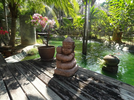 Lanta Sand Resort and Spa: Etang