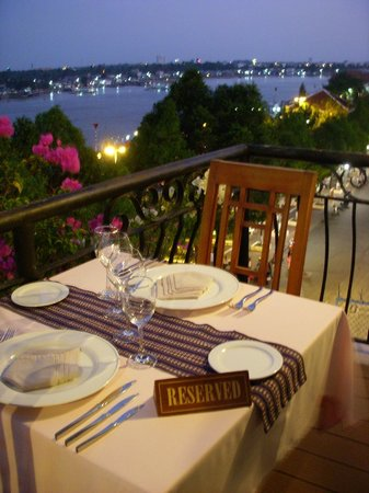 Nam Bo Boutique Hotel : rooftop bar-rest with Mekong-view