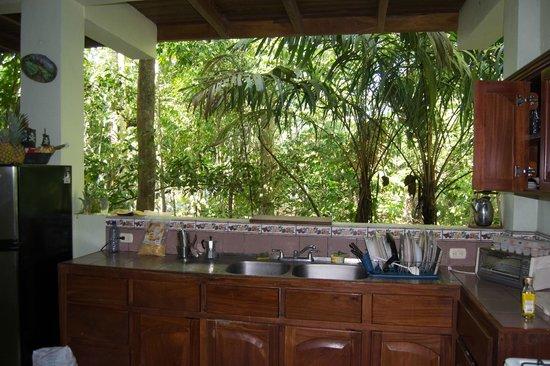 Hospedaje El Bosquecito: cuisine face au bois