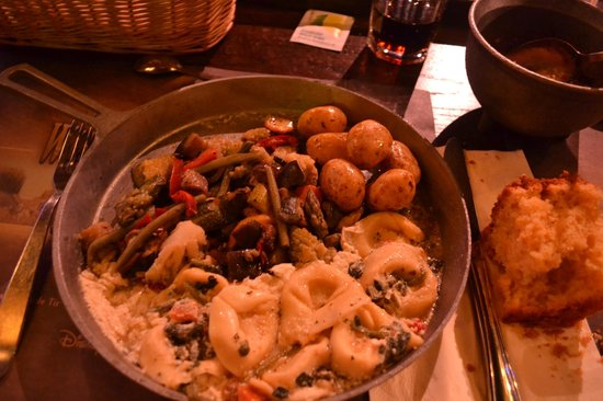 La Légende de Buffalo Bill...avec Mickey et ses amis ! : Veggie meal, pasta, veg and potatoes