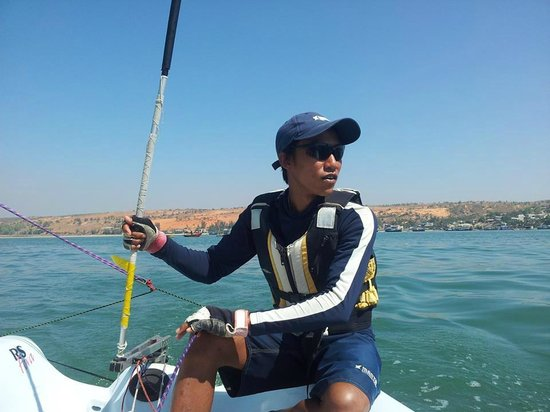 MANTA Sail Training Centre : Sail trained fishermen give sea tours to Mui Ne whale temple++  photo by Andrew Parker