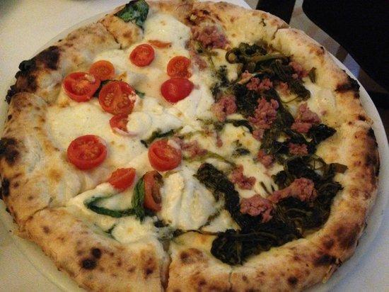 Dual Ristorante Pizzeria: mezza salsiccia e friarielli mezza bufala e pomodorini